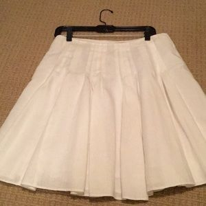 LOFT White, box pleated Cotton/ linen skirt.